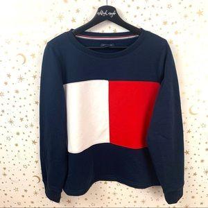 Tommy Hilfiger | Large Logo Pullover Sweatshirt